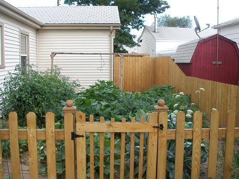 build a garden gate plans